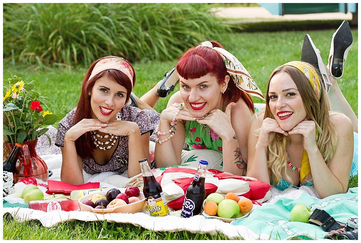 vintage-summer-picnic-kelowna-photographer_0226
