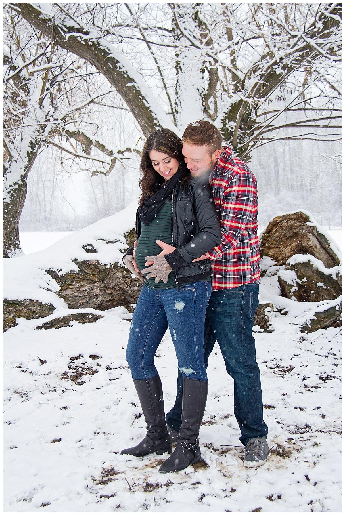 winter-maternity-kelowna-photographer_0202